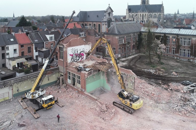 Demolition Normaalschoolsite Lier has started